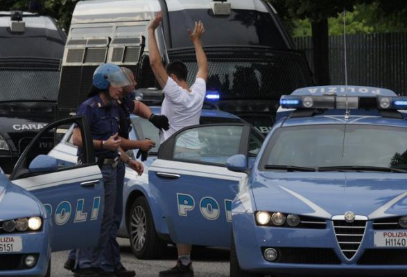 verona   incidenti tra tifoserie e forze dell'ordine per hellas verona Salernitana    Foto da non firmare  grazie